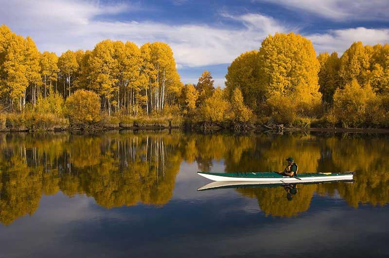 Il kayak appassiona gli italiani ma come praticarlo in sicurezza?